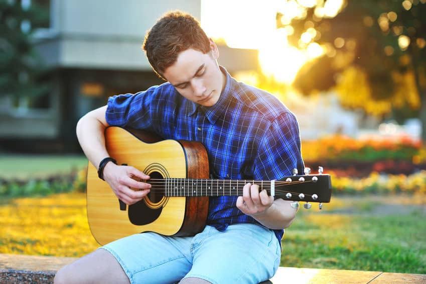 Beste akoestische gitaar kopen tips
